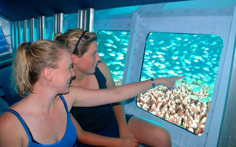 semi submersible great barrier reef tour